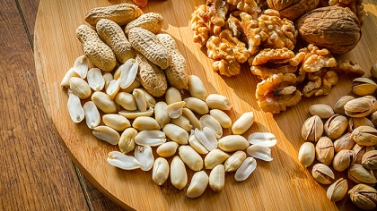 10 Types of Nuts and Their Benefits